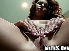 Mofos - Shes A Freak - (Bettina DiCapri) - Ladies Love the Shower Head
