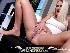 Wetandpissy - Diving Into Golden Pee